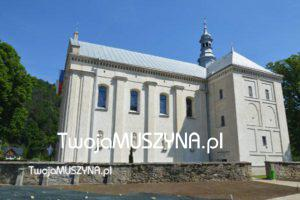 Kościół w Muszynie - widok z boku