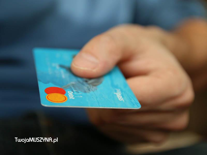 Karta płatnicza - bankomat