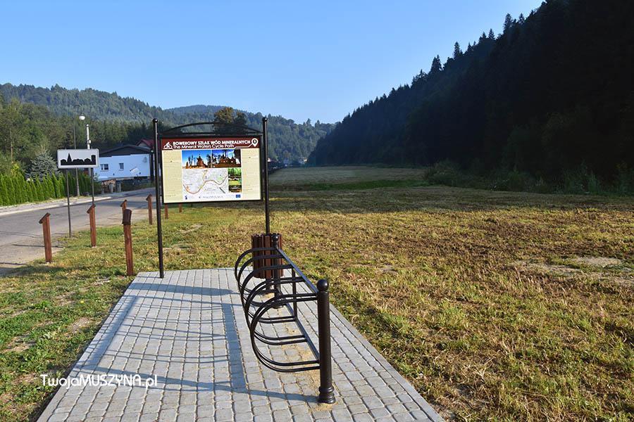 Rowerowy szlak wód mineralnych tablica informacyjna w Miliku zdjęcie 01
