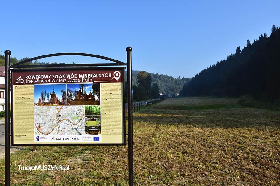 Rowerowy szlak wód mineralnych tablica informacyjna w Miliku zdjęcie 02