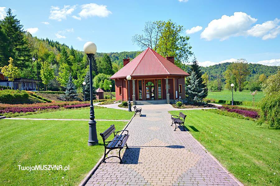 Magiczny Ogród (Ogród Miłości) - Pijalnia Antoni - wejscie do Ogrodów